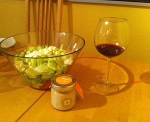 Akazienhonig in der Salatsoße