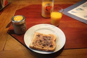 Snack am Morgen mit Honigplus
