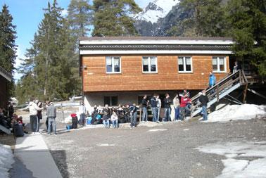 Honigplus sponsert Ersti-Hütte