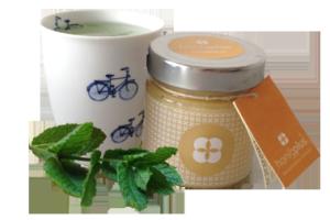 Honig mit Pfefferminztee Rezept mit marokkanischer Minze